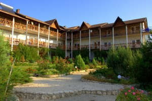 Территория отеля 4